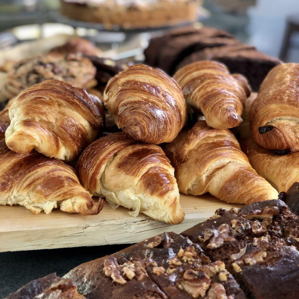 Croissants und Banenenbrot